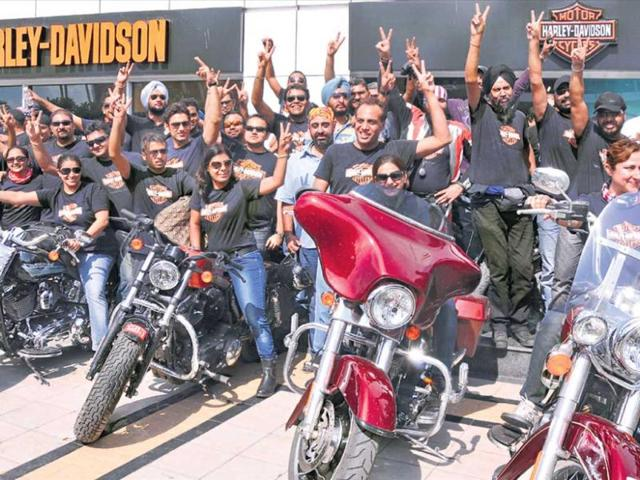 The-H-O-G-club-s-Delhi-chapter-Harley-Davidson-bike-owners-and-the-bad-boy-Iron-883