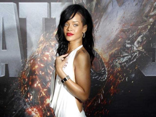 Rihanna,Jr Smith,basketball
