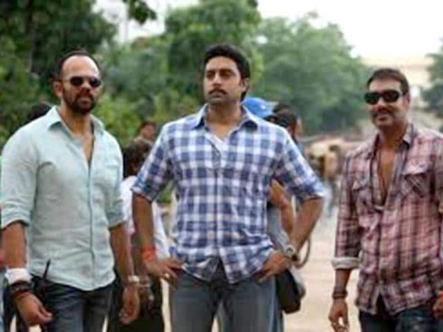 Rohit-Shetty-Abhishek-Bachchan-and-Ajay-Devgn-on-the-sets-of-Bol-Bachchan