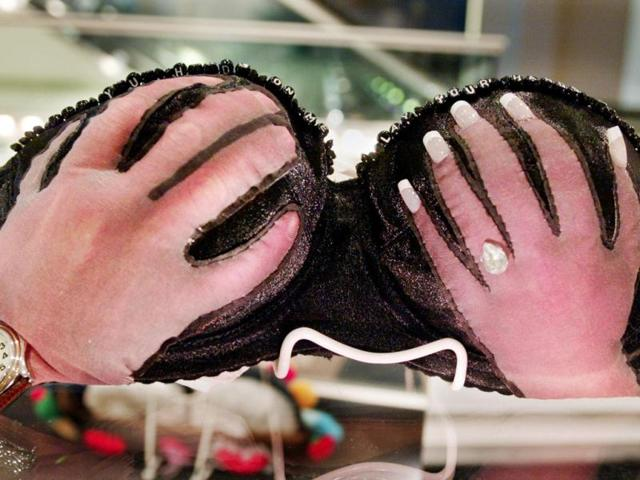 How get the right fit for your bra