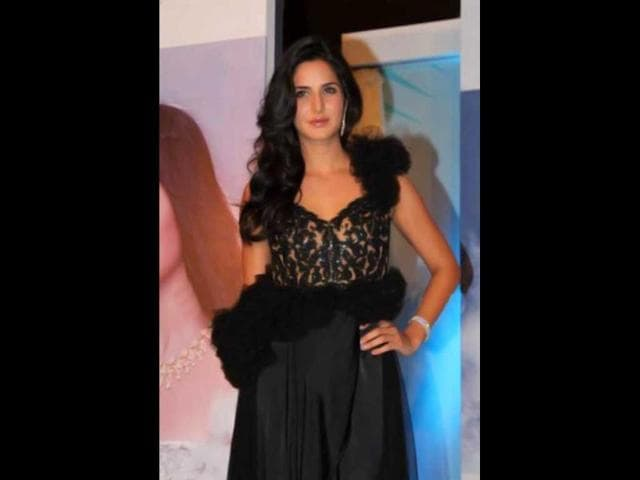 Katrina-Kaif-played-a-politician-in-Rajneeti-which-was-rumoured-to-an-imitation-of-Sonia-Gandhi
