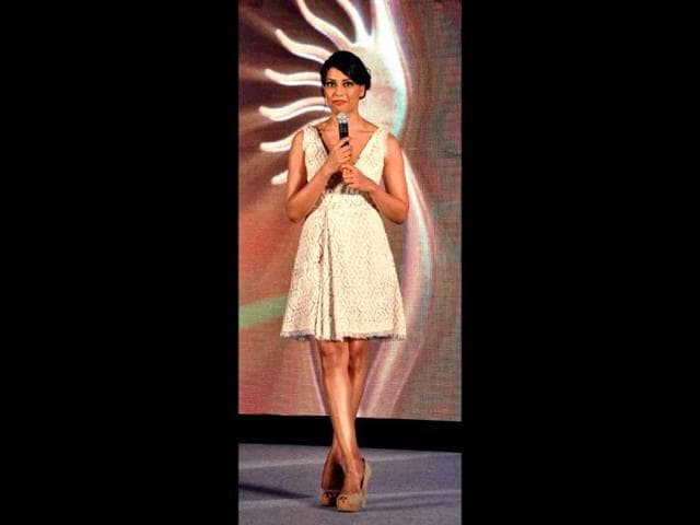 Bipasha-Basu-looks-hot-in-a-beige-dress-at-the-press-conference