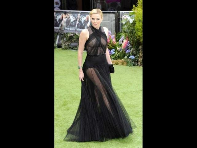 Charlize-Theron-left-little-to-imagination-in-the-black-gown-and-the-skin-show-only-adds-to-the-effect