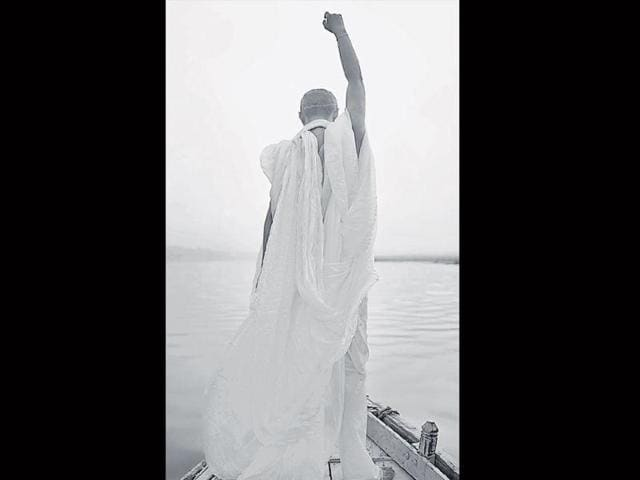 An-ethereal-Hao-in-a-boat-on-the-Ganga