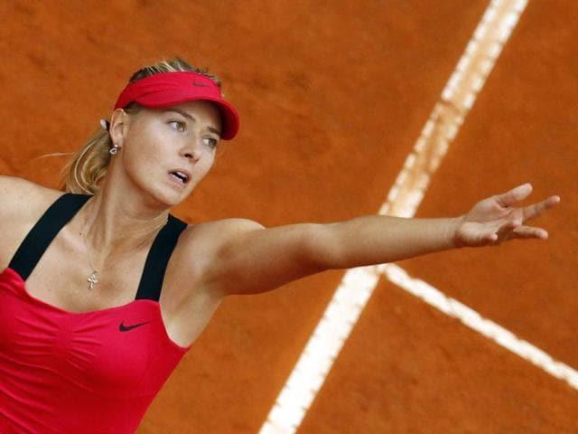 Maria-Sharapova-of-Russia-serves-to-Li-Na-of-China-during-their-final-match-at-the-Rome-Masters-tennis-tournament-Reuters-Photo-Giampiero-Sposito