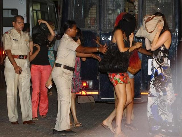 Mumbai-police-have-busted-a-rave-party-at-Oakwood-hotel-in-Juhu-Mumbai-HT-Photo-Prasad-Gori
