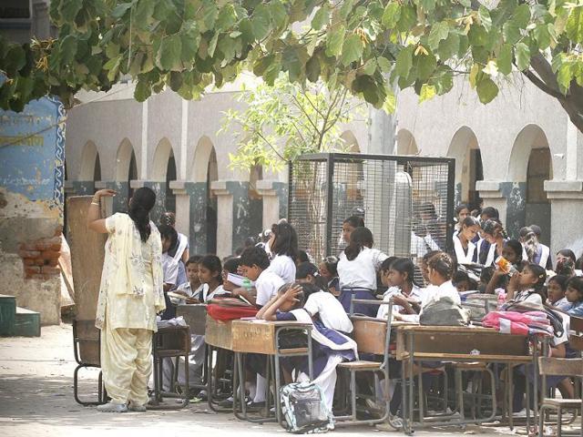 surplus teachers,RTE act,salaries to surplus teachers
