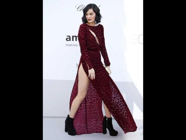British-pop-star-Jessie-J-showcased-her-pins-in-a-purple-leopard-print-Louis-Heal-gown