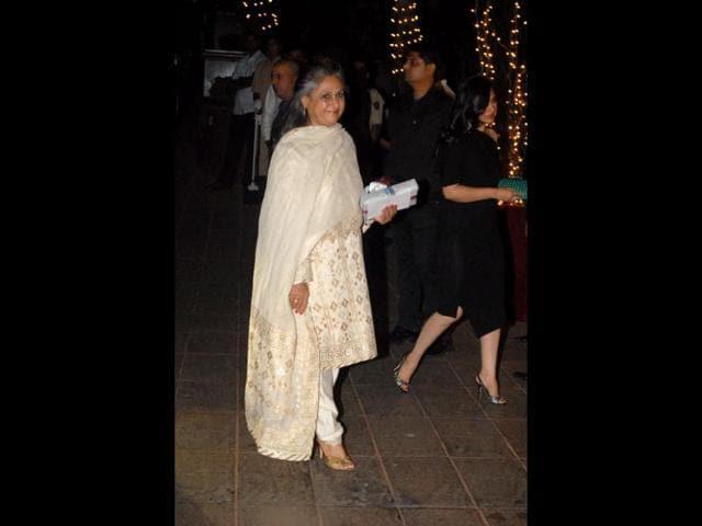Jaya-Bachchan-at-the-bash