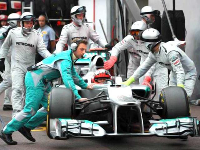 Rosberg shines, Schumacher hopes for better luck | india | Hindustan
