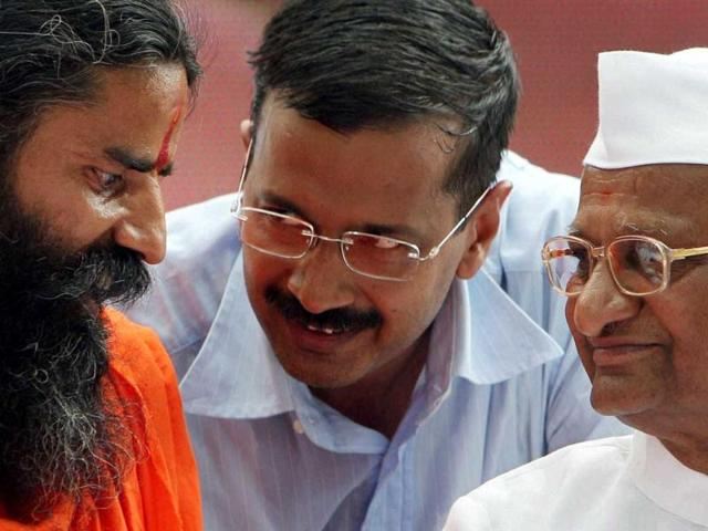 Kejriwal rejects Ramdev's view, says have to name the corrupt