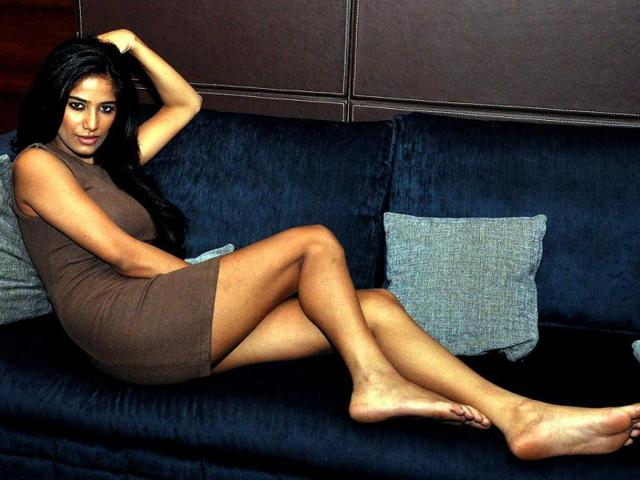 Poonam Pandey lied about joining Team Anna?