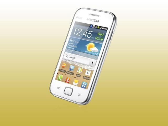 Samsung-s-Galaxy-Ace-Duos-smartphone-was-launched-in-India-for-Rs-13-900-The-Android-phone-comes-with-a-Dual-SIM-functionality