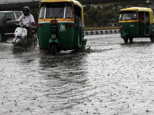 Heavy rain brings Mumbai's civic woes to the fore