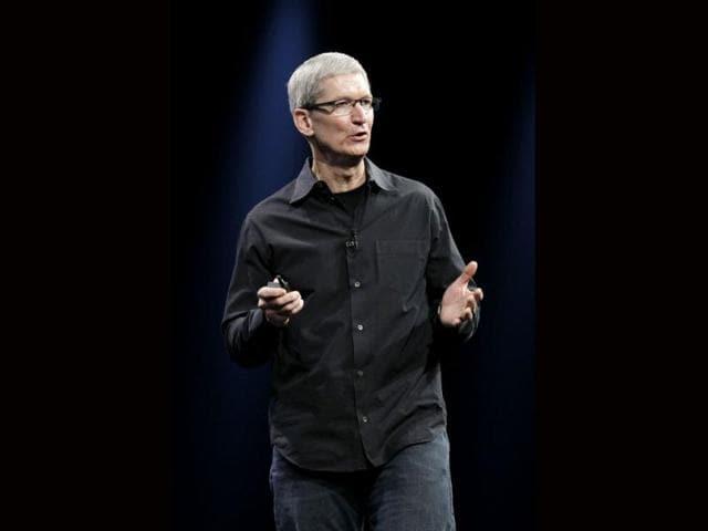 Apple,Tim Cook,lawsuit