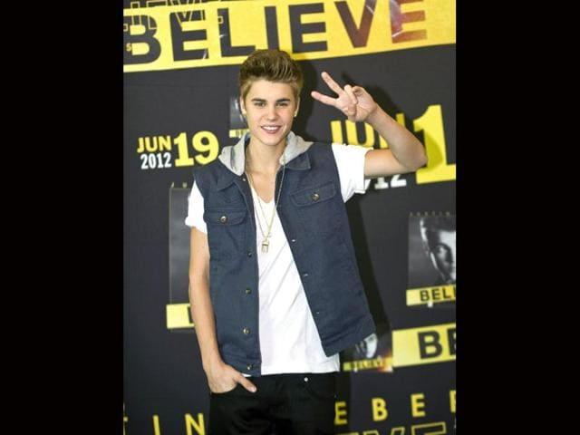 Justin Bieber cuts short interview over mum jibe