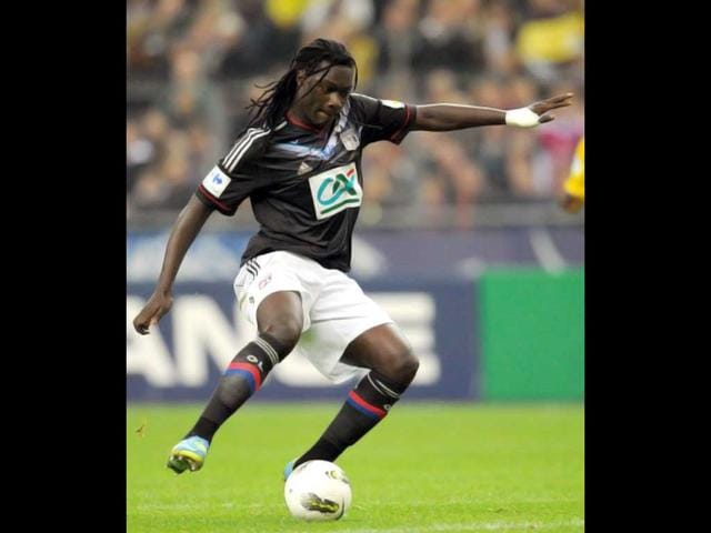 Lyon-s-forward-Bafetimbi-Gomis-controls-the-ball-during-the-French-Cup-final-football-match
