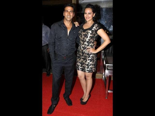 Akshay-Kumar-and-Sonakshi-Sinha-s-jodi-is-making-waves-in-B-Town-these-days-Apart-from-doing-Rowdy-Rathore-they-are-starring-in-Joker-and-Once-Upon-A-Time-In-Mumbaai-2-together
