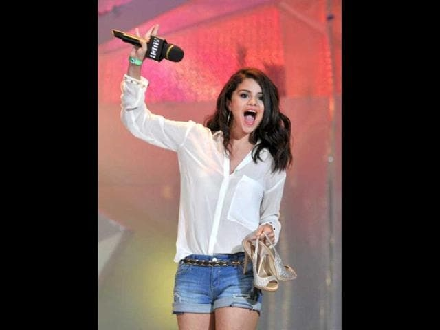 Selena-Gomez-looks-excited-as-she-performs-at-the-event-Reuters-photo