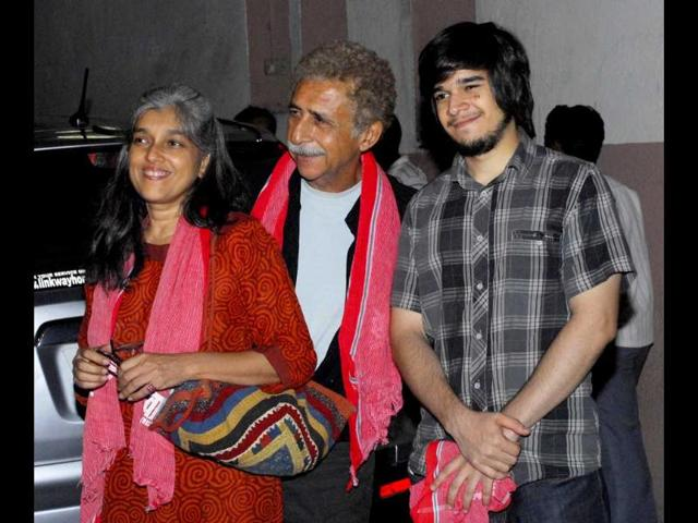 Naseeruddin-Shah-with-wife-Ratna-Pathak-Shah-and-son-Vivaan-Shah