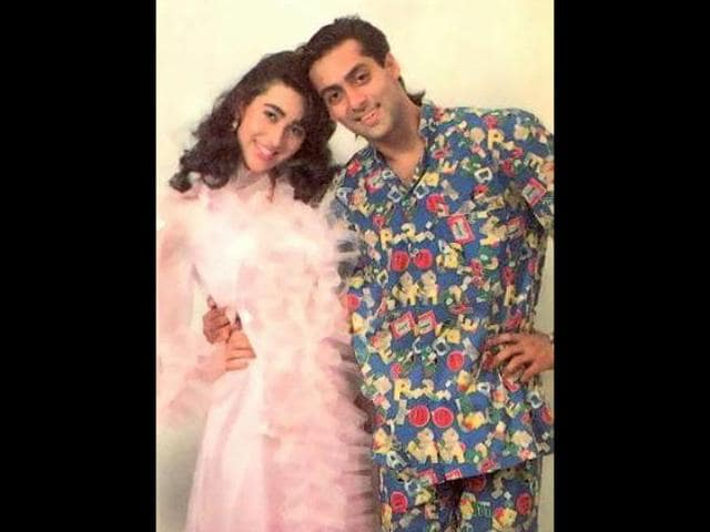 Karisma-Kapoor-was-paired-up-opposite-Salman-Khan-in-Andaz-Apna-Apna-Her-comic-timing-was-perfect-in-the-movie
