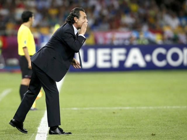 Italy coach Cesare Prandelli,Italy vs Spain,Euro2012