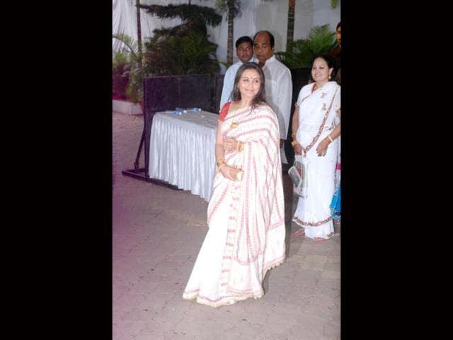 Pretty-Rani-Mukerji-in-a-white-sari