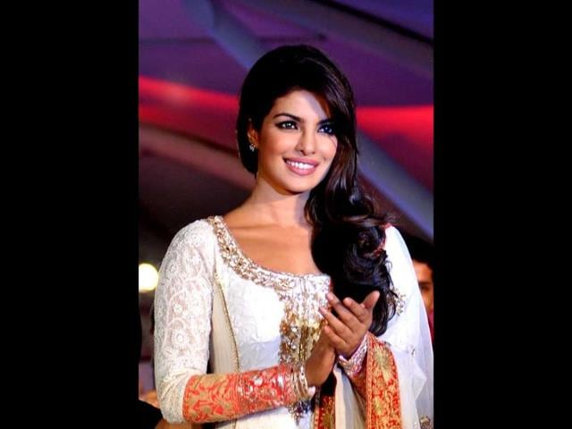 Fashion-designer-Anju-Modi
