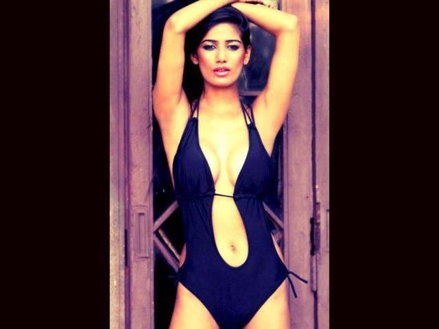 Poonam Pandey Treats Fans, Tweets Bikini Photoshoot Pics  Entertainment  Hindustan Times-5892