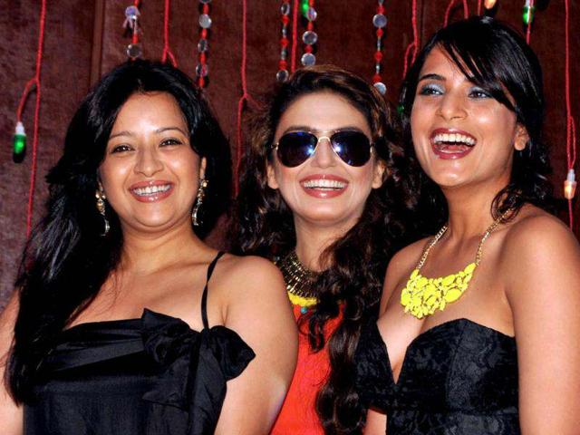 Reemma Sen, Huma Qureshi, and Richa Chadda have a good time.