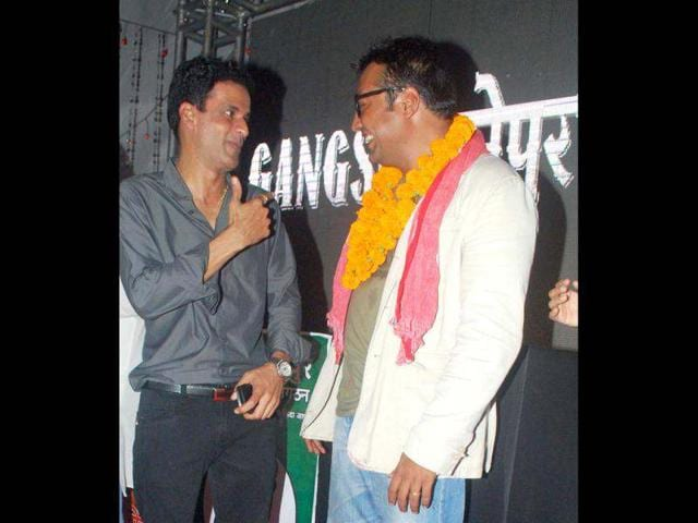 Manoj Bajpai and Anurag Kashyap caught in a candid moment.