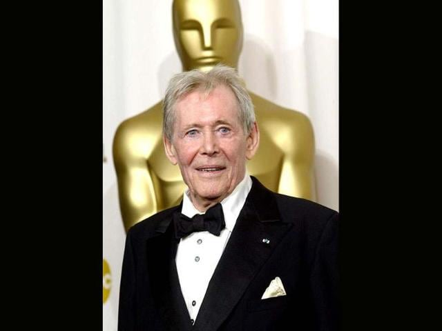 British-actor-Peter-O-Toole-in-front-of-the-Oscar-statue-in-Hollywood-California-AFP-file-photo