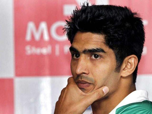 Boxer-Vijender-Singh-who-will-compete-in-2012-Olympic-Games-at-a-press-conference-in-New-Delhi-HT-photo-Mohd-Zakir
