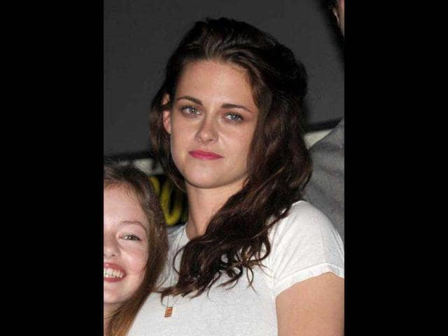 Kristen-Stewart-attends-The-Twilight-Saga-Breaking-Dawn-Part-2-Panel-at-Comic-Con-AP