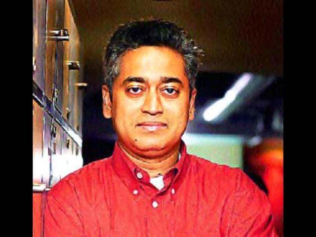 Mahendra Singh Dhoni,Kapil Dev,Vivian Richards