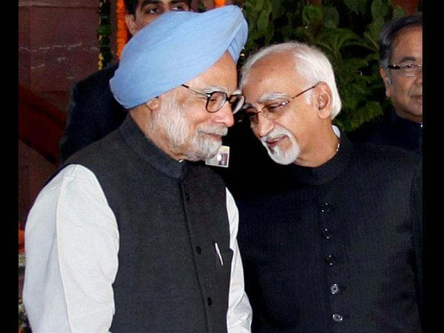 File-photo-of-Vice-President-Hamid-Ansari-with-Prime-Minister-Manmohan-Singh--Ansari-has-been-announced-as-UPA-s-Vice-presidential-candidate-on-July-14--PTI-Photo