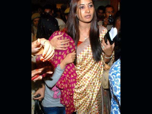 The-girl-who-was-molested-on-July-9-at-GS-Road-in-Guwahati-being-brought-by-National-Commission-for-Women-member-Alka-Lamba-at-a-hotel-in-Assam-HT-Ujjal-Deb
