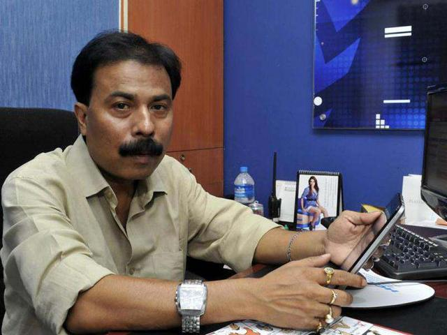 Editor of TV channel that aired Guwahati molestation video resigns,assam,molestation case