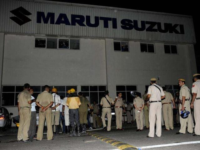Maruti-Suzuki-workers-ransacked-office-premises-and-set-the-HR-office-on-fire-at-Manesar-plant-in-Gurgaon-HT-Photo-Parveen-Kumar