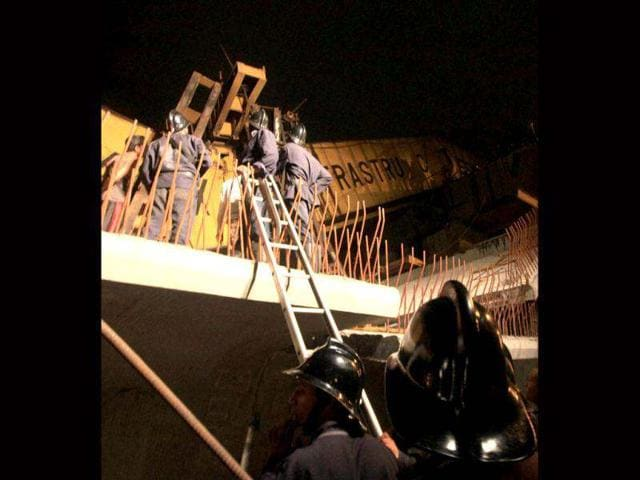 monorail,collapse,injured
