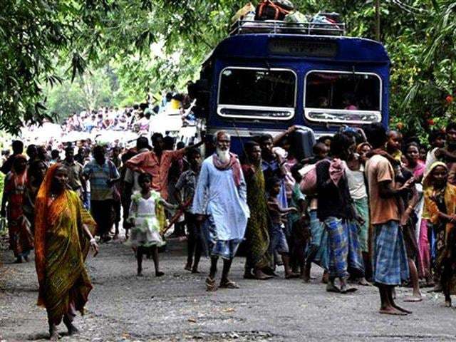 Assam: violence continues, curfew reimposed