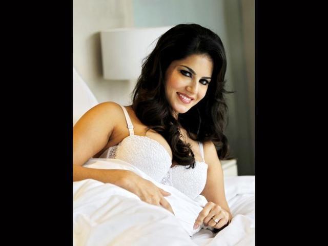 Sunny-Leone-poses-for-the-camera-HT-Photo-Ajay-Aggarwal