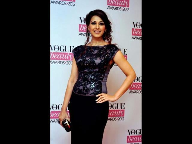 Sonali-Bendre-poses-during-the-Vogue-Beauty-Awards-2012-in-Mumbai-AFP