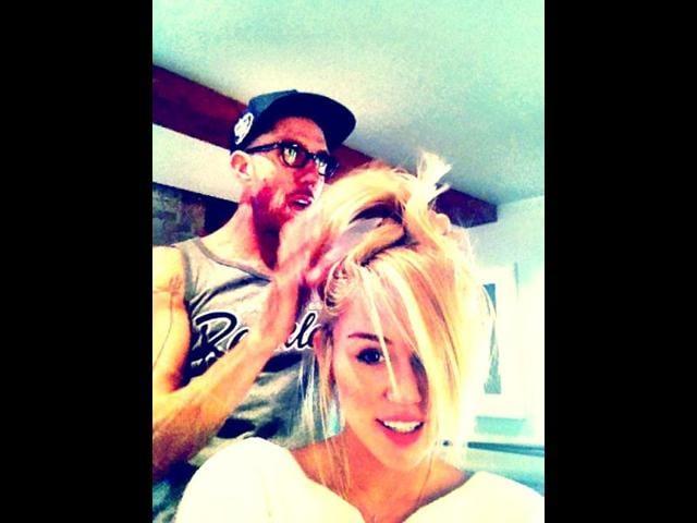 Miley Cyrus,Liam Hemsworth,Chris McMillan