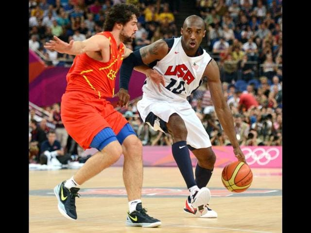 US-guard-Kobe-Bryant-R-vies-with-Spanish-guard-Sergio-Llull-during-their-London-2012-Olympic-Games-men-s-gold-medal-basketball-game-at-the-North-Greenwich-Arena-in-London-AFP-Timothy-A-Clary