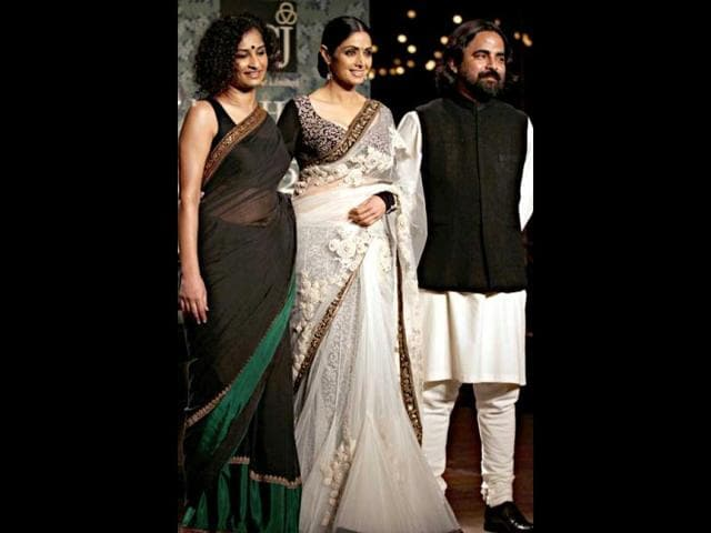 Sridevi-poses-with-designer-Sabyasachi-and-her-comeback-film-English-Vinglish-s-director-Gauri-Shinde