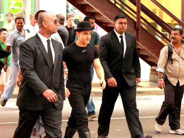 First Look Aamir Khan Katrina Kaif In Dhoom 3 S Rs 5 Crore Song Bollywood Hindustan Times