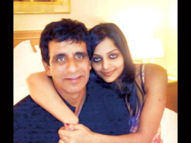 Starlet-Leena-Kapoor-and-umpire-Asad-Rauf