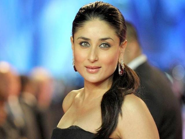Kareena-Kapoor-looks-sexy-in-yet-another-desi-avatar-in-her-latest-item-number-Fevicol-Se-from-Dabangg-2