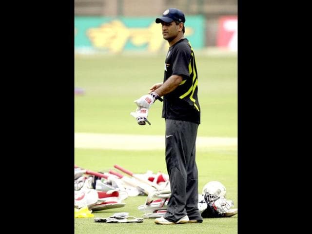 Captain-MS-Dhoni-during-a-training-session-ahead-of-the-India-New-Zealand-second-Test-match-at-M-Chinnaswamy-stadium-in-Bangalore-Gurpreet-Singh-Hindustan-Times